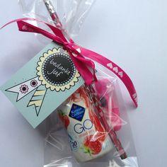 Bedankje Go Kids Party Treats, Birthday Treats, Birthday Gifts, Craft Gifts, Diy Gifts, Diy And Crafts, Paper Crafts, Diy Presents, Appreciation Gifts