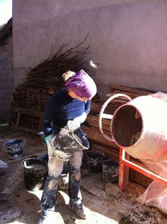 How to apply hemp-lime plaster for insulation