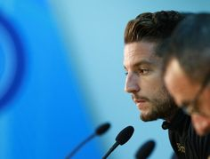 Napoli's forward from Belgium Dries Mertens attends a press conference on the eve of the UEFA Champions League football match SSC Napoli vs FK Dynamo Kiev on November 22, 2016 at the SSC Napoli headquarters in Naples. / AFP / CARLO HERMANN