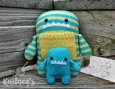Mommy and Baby Monster, Stuffed Monsters, Knit Monster, Stuffed Animal, Kids Toy, Monster Doll, Monster Plush, Monster Toy, Handmade Monster by Knitneys on Etsy https://www.etsy.com/listing/274626456/mommy-and-baby-monster-stuffed-monsters