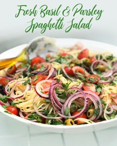 My fresh basil and parsley spaghetti salad is so fresh and packs a punch of flavour. It works so well for lunch or dinner and also is delicious cold. Spaghetti Salad, Greek Salad Pasta, Summer Salad Recipes, Summer Salads, Summer Food, Bbq Salads, Midweek Meals, Plum Tomatoes, Fresh Basil