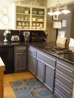 Two toned kitchen, blue and white. I wish I was brave enough to do something like this. Wow