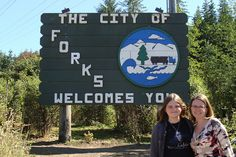 How to Plan a Twilight Trip to Forks, Washington {Official Home of the Twilight Saga} - Life. Forks Washington, Washington State, Twilight Series, Romance, Olympic Peninsula, Wattpad, Welcome, Gifts In A Mug, Olympics