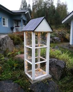 lyhty vanhoista ikkunoista – Google-haku Haku, Bird Feeders, Gazebo, Outdoor Structures, Google, Outdoor Decor, Home Decor, Kiosk, Decoration Home
