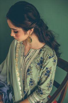 Indian Salwar Suit, Indian Suits, Indian Wear, Indian Attire, Salwar Suits, Casual Indian Fashion, Women's Fashion, Ethinic Wear, Kurta Style