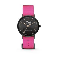 CO88 Collection 8CW-10020 - Horloge - Nato nylon - roze - 36 mm. CO88 staat bekend om haar prachtige sieraden lijn dat geïnspireerd is uit de natuur. Sinds kort heeft CO88 haar collectie verbreedt en de uitkomst is deze verbluffende horlogecollectie. Het horloge is in verschillende varianten te verkrijgen, ruime keuze!