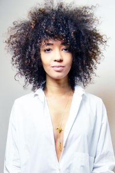 #mercredie #blog #mode #fashion #blogger #curly #hair #natural #afro #curls #nappy #4c #mixed #girl #boyfriend #jean #asos #mom #louboutin #nude #pigalle #10cm #boyfriend #sexy #what #shirt #ombre #hair #decollete #clivage #corpus #christi #buffalo #necklace #gold