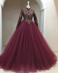 Pearl_designers Book ur dress now Completely stitched Customised in all colours For booking ur dress plz dm or whatsapp at 9582994206 Muslim Evening Dresses, Muslim Wedding Dresses, Muslim Dress, Bridal Dresses, Evening Gowns, Prom Dresses, Formal Dresses, Elegant Dresses, Pretty Dresses