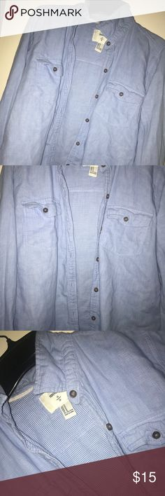 Forever 21 Blue Button Up Cute button-up from Forever 21. Size MEDIUM Forever 21 Tops Button Down Shirts
