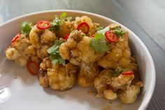 At Thoroughbred Food & Drink, the top-selling menu item is made from cauliflower. Toronto is really starting to love its veggies. Kung Pao Cauliflower, Cauliflower Recipes, Vegetarian Recipes, Healthy Recipes, Drink Recipes, Yummy Recipes, My Favorite Food, Favorite Recipes, Roasted Cashews