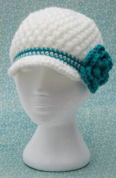 White puff-stitch crochet hat from whatsknottolove.ca #crochet #crochethat #brimmedhat