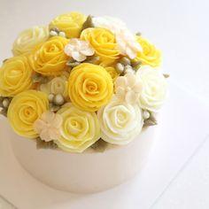 yellow rose  #flowercake #flowercakeclass #mydearcake #mydear #korea #wilton #wiltoncake #birthdaycake #bakingclass #buttercream #baking #cake #flower #수원 #광교 #영통 #분당 #수지 #동탄 #플라워케이크 #마이디어 #마이디어케이크 #플라워케이크클래스 #베이킹클래스 #yellow #rose