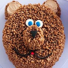 Bear Rice Krispie Cake ~ rework for Punxy Rice Krispie Cakes, Rice Krispies, Cute Desserts, Desserts To Make, Heidi Klum, No Cook Meals, Kids Meals, Cereal Recipes, Kid Recipes