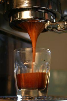 Espresso made using a naked (bottomless) portafilter