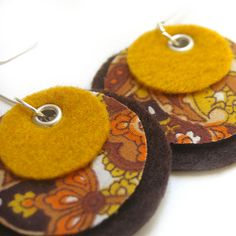 Ooohhh.. 50s felt & fabric earrings!