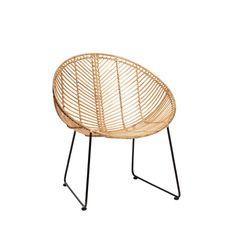 """Für alle Fans dänischen Designs: Rattanstuhl """"Mette"""" von Hübsch Inetrior. Der formschöne Stuhl aus Rattan verleiht jedem Ambiente einen charmant-natürlichen Look und macht sich dabei im Essbereich genauso toll wie als Sitzmöglichkeit im..."""