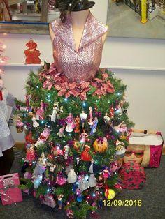 Barbie Christmas Tree Dress Form Christmas Tree, Christmas Barbie, Crafting, Corner, Formal Dresses, Holiday Decor, Home Decor, Fashion, Dresses For Formal