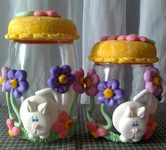 jogo de potes decorado em biscuit com flores e gato branco,vai ficar lindo na sua cozinha !!! <br>valor se refere ao jogo... <br>faço outras cores... <br> <br>A PARTIR DE SETEMBRO AS ENCOMENDAS AUMENTAM,PORTANTO FAÇA SEU PEDIDO COM ANTECEDÊNCIA !!!