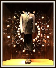A new cutting-edge sartorial window display for our Made to Measure service Check out our calendar to find an event at your nearest boutique #mtm #sumisura #sartorial #menswear