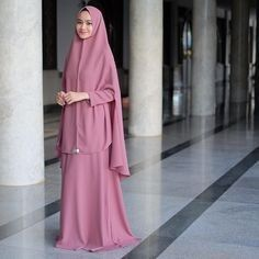 i murah online set bergo,de Hijab Gown, Hijab Style Dress, Casual Hijab Outfit, Hijab Chic, Moslem Fashion, Niqab Fashion, Beautiful Muslim Women, Beautiful Hijab, Hijab Collection