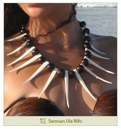 Ula for puletasi outfits Polynesian Dance, Polynesian Islands, Polynesian Culture, Coconut Bra, Coconut Shell, Tahitian Costumes, Tahitian Dance, Island Wear, Tooth Necklace
