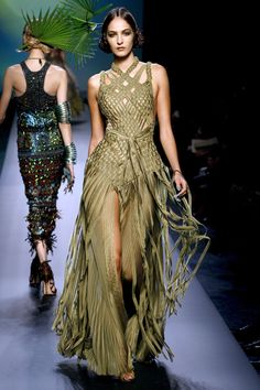 Jean Paul Gaultier Spring 2010 Couture - Runway Photos - Fashion Week - Runway, Fashion Shows and Collections - Vogue Jean Paul Gaultier, Paul Gaultier Spring, Couture Mode, Couture Fashion, Runway Fashion, Fashion Goth, Steampunk Fashion, Fashion Outfits, Love Fashion