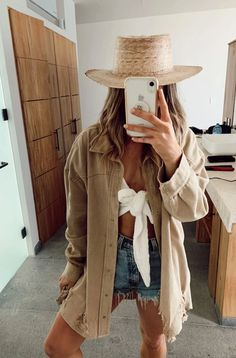 Outfits With Hats, Trendy Outfits, Cute Outfits, Modern Outfits, Oversize Look, Pool Party Outfits, Mode Ootd, Party Mode, Look Chic