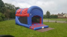 Mega bounce and slide avaliable for hire in Northampton. Ideal if your looking for something different at your party or event as it has best of both world's, bouncy castle at the front and slide at the back. Size:12ft x 20ft