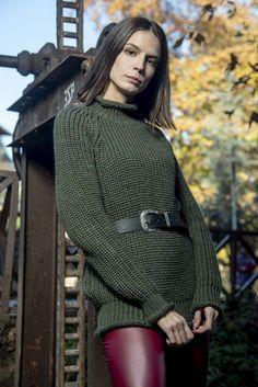Πλεκτή μπλούζα ζιβαγκάκι σε λαδί χρώμα onesize Winter, Sweaters, Dresses, Fashion, Winter Time, Vestidos, Moda, Fashion Styles, Pullover