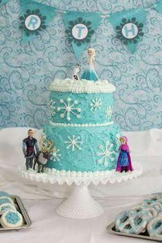 """Depois do sucesso de """"Frozen - Uma Aventura Congelante"""" em 2014, o que não faltam são bolos da Elsa ... - Reprodução, Pinterest"""