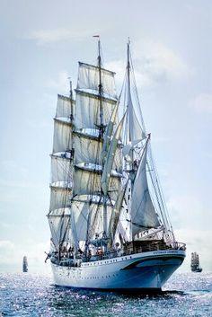 "Norvegian Tall ship ""Statsraad Lemkuhl""."