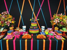 Ribbon background is a great idea Neon Birthday, 13th Birthday Parties, Birthday Party Themes, Glow In Dark Party, Glow Stick Party, Neon Party Decorations, Blacklight Party, Skate Party, Disco Party