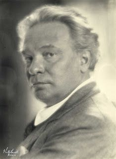 MUSIClassical notes: Concerto gregoriano by Ottorino Respighi