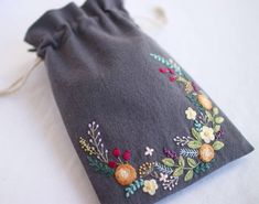 * . Embroidery pouch . . #刺繍#手刺繍#ステッチ#手芸#embroidery#handembroidery#stitching#needlework#자수#broderie#bordado#вишивка#stickerei