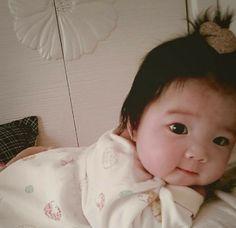 I want milk mommy:( Cute Baby Boy, Cute Little Baby, Little Babies, Cute Kids, Baby Kids, Cute Asian Babies, Korean Babies, Asian Kids, Cute Babies