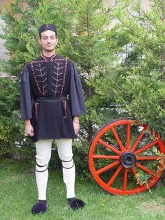paulou-mela Folk Clothing, Greek Clothing, Macedonia, Greek Apparel, Greeks, Color 2, 2 Colours, Traditional, Embroidery