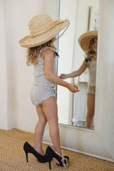Playing dress up (for both little girls and grown up girls too) Precious Children, Beautiful Children, Little People, Little Girls, Kind Photo, Little Princess, Belle Photo, Playing Dress Up, Children Photography