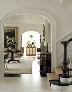 William Hodkins Beautiful Interiors, Beautiful Homes, House Beautiful, Beautiful Curves, Foyer Flooring, Arch Doorway, Entry Hallway, Tile Entryway, Marble Foyer