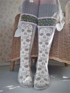 Lace Socks, Crochet Socks, Knitting Socks, Knit Crochet, Knit Socks, Rainbow Dog, Crochet Granny Square Afghan, Men In Heels, Red Green Yellow
