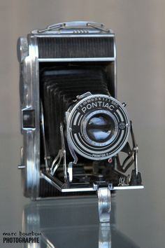 PONTIAC vintage French camera completely in metal