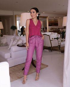 Color block: a moda dos looks coloridos está de volta [35 FOTOS] 30s Fashion, Purple Fashion, Colorful Fashion, Fashion Looks, Fashion Outfits, Look Office, Office Looks, Classy Outfits, Beautiful Outfits