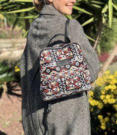 Style Indien, Make A Gift, Printed Bags, Vera Bradley Backpack, Fashion Backpack, Gifts For Her, Backpacks, Tote Bag, Ankara