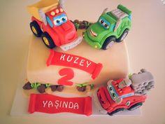 Chuck ve arkadaşları pastası .  Chuck and friends cake