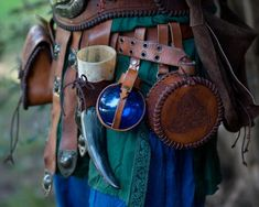 Blue Potion Bottle with Leather Holder Potion. Flask DRINKING Bottle for Larp, Costume and Cosplay. Zelda, Skyrim, Witcher or Harry Potter. bottle Blue Potion Bottle with Leather Holder Potion. Flask DRINKING Bottle for Larp, Costume and Cosplay. Archery Gloves, Archery Gear, Kings & Queens, Mode Steampunk, Pink Bottle, Renaissance Costume, Renaissance Clothing, Potion Bottle, Medieval Fantasy