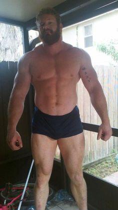"""Powerlifter Vincent Urbank - Height: 201 cm / 6' 7"""" - Weight: 136 kg / 300 lbs"""