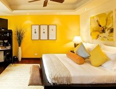 Be inspired by these beautiful ambiances where the luxury and hapiness find a place. Bedroom Orange, Bedroom Colors, Bedroom Wall, Bedroom Decor, Yellow Accent Walls, Bedroom False Ceiling Design, Home Room Design, New Room, Living Room Decor