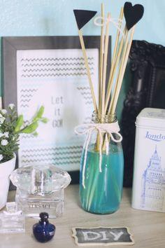 DIY: Tutorial para aprender a fazer um Aromatizador de Varetas perfumado e colorido! Esse faça você mesmo está muito fácil, rápido e barato!