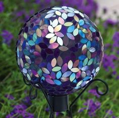 Mosaic gazing ball garden yard lawn glass decor outdoor globe decoration art Gallery Mosaic Garden A Mosaic Art, Mosaic Glass, Glass Art, Mosaics, Stained Glass, Mosaic Tiles, Garden Crafts, Garden Projects, Garden Ideas