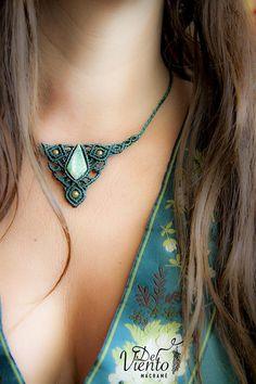Collar o Tiara macrame con Jade guatemalita / Macrame Necklace