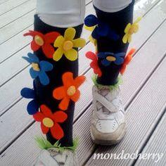 Flower Power all the way! Flower Power all the way! Wacky Socks, Silly Socks, Crazy Socks, Cool Socks, Crazy Hat Day, Flower Power, Spirit Day Ideas, School Spirit Days, Pink